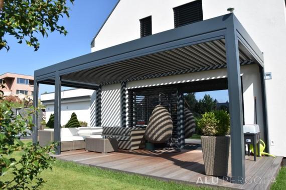 Aluminiumpergola mit verstellbarem Dach Placeo – Liberec, 2017