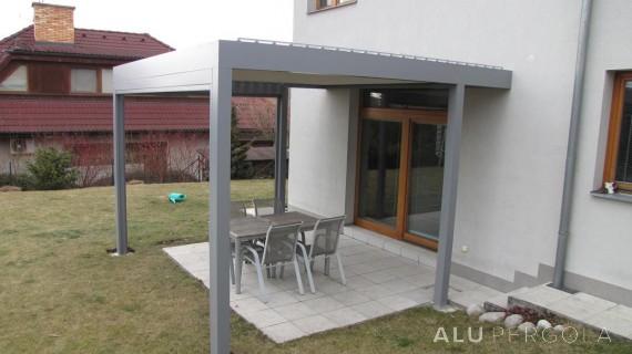 Aluminiumpergola mit beweglichem Dach Placeo – Zlín, 2016