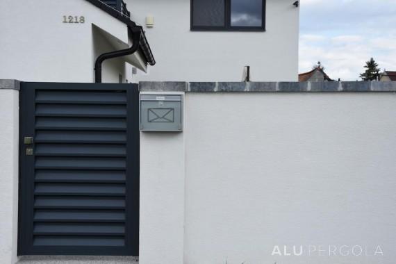 Einfamilienhaus mit Aluminiumzaun NOVA - Lozorno 2017